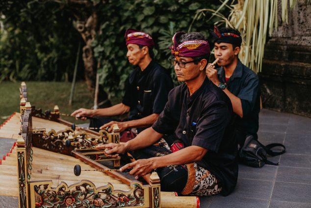 Wedding in Bali at Sun Island Hotel - Wedding Entertainment Local Rindik
