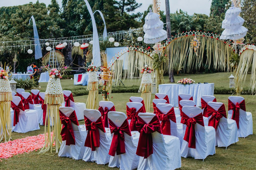 Wedding in Bali at Sun Island Bali Hotel - Garden Wedding
